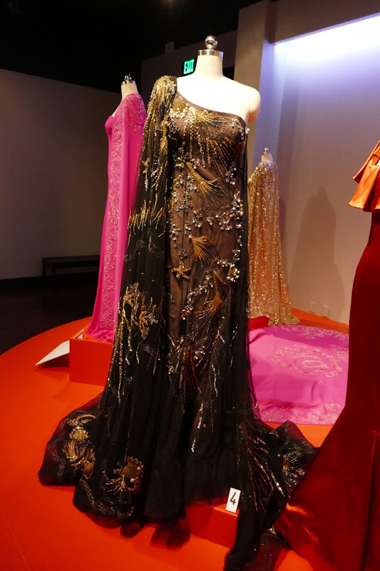 Sandra Bullock Oceans 8 Debbie gown