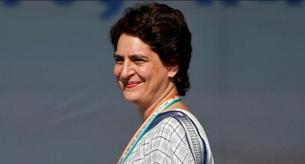 प्रियंका गांधी को पुलिस ने हिरासत में लिया - newsonfloor.com