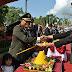 DANDIM 0703/CILACAP POTONG TUMPENG PADA HUT BHAYANGKARA KE-72 DI ALUN-ALUN CILACAP