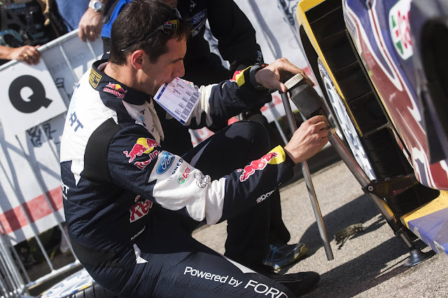 Co-driver Julien Ingrassia Has lots of jobs