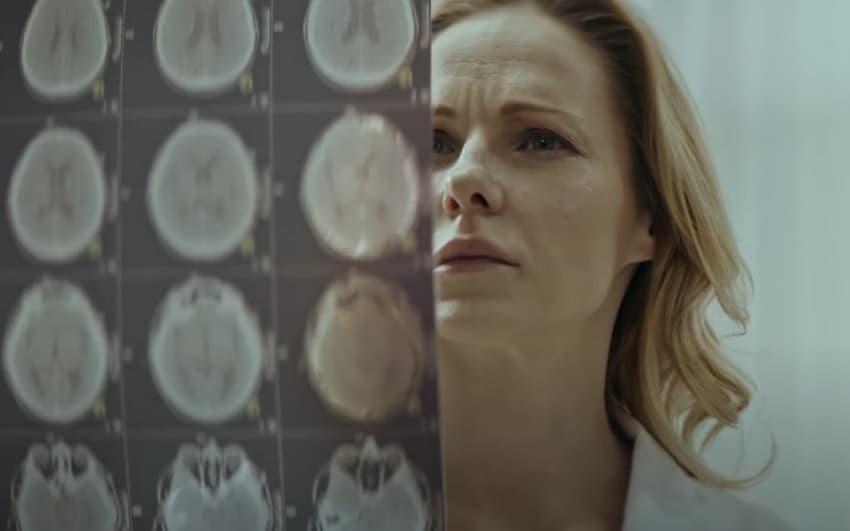 Вышел трейлер мистического фильма ужасов While We Sleep («Пока мы спим») про одержимость