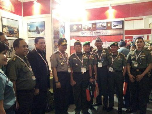 Stan TNI Indo Defence 2012 EXpo dan Forum