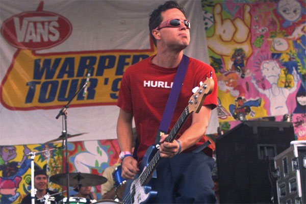 Travis Barker from blink-182 replaced by Bad Religion and Pennywise drummer at Warped Tour 1999