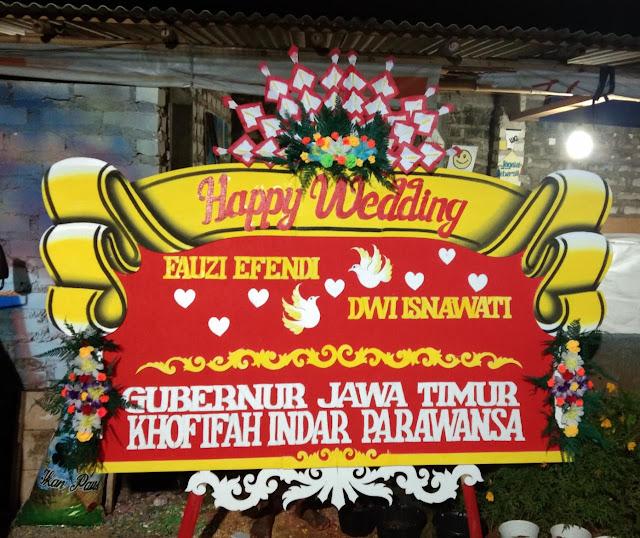 Bunga Papan Sumenep Happy Wedding 011🌹🌹🌹
