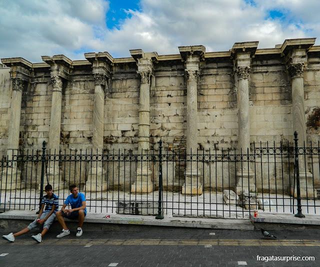 Biblioteca de Adriano, na Ágora Romana de Atenas