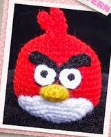 http://translate.google.es/translate?hl=es&sl=en&tl=es&u=http%3A%2F%2Fsnacksieshandicraftcorner.blogspot.com.es%2F2011%2F07%2Fred-angry-bird-crochet-pattern.html