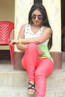 Bhojpuri heroine pic, hot bhojpuri heroine pic