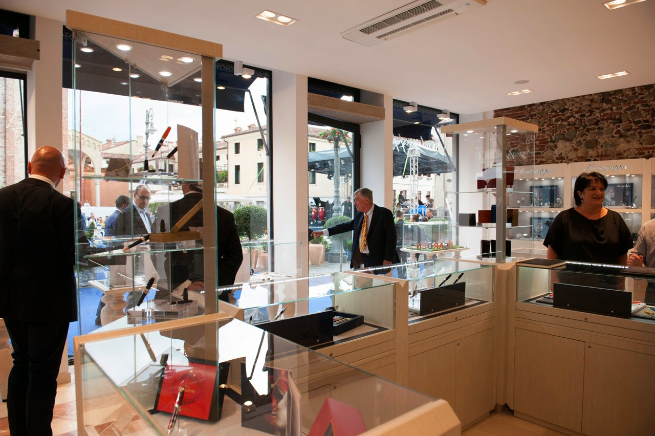 Quincy Jones Cuts Ribbon at Grand Opening of Montegrappa Flagship Store in Italy
