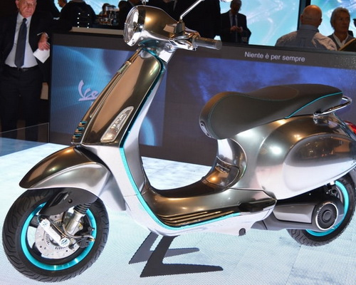 www.Tinuku.com Piaggio Group announced electric-powered Vespa Elettrica at EICMA Motorcycle Show 2016 in Milan