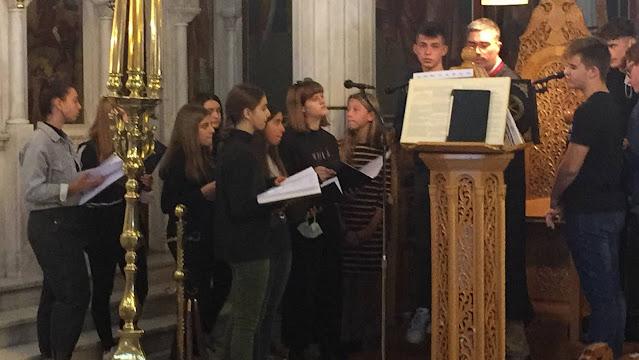 Η Βυζαντινή χορωδία του Μουσικού Σχολείου Αργολίδας έψαλλε στον Ι.Ν. Ευαγγελιστρίας Ναυπλίου (βίντεο)