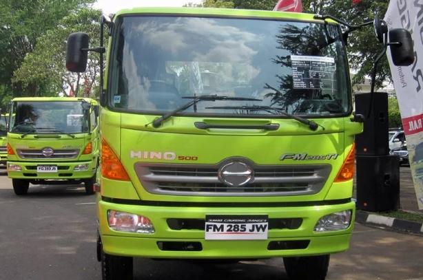 kabin truk hino lohan hijau