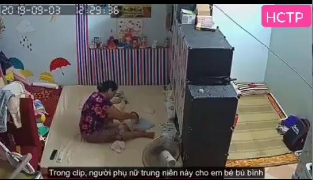 Phát hiện bé nhỏ 2 tháng tuổi bị giúp việc bạo hành người chồng