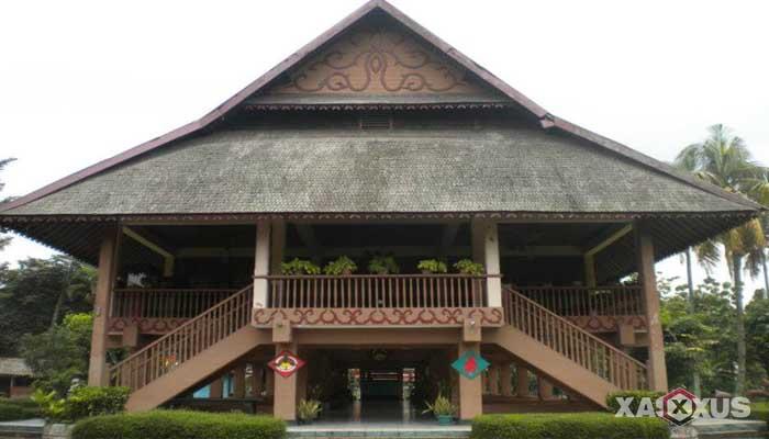 Gambar rumah adat Indonesia - Rumah adat Sulawesi Utara atau Rumah Walewangko