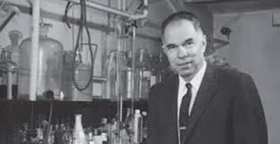 Biografi Glenn T. Seaborg - Penemu Sepuluh Unsur Transuranium        Glenn Theodore Seaborg adalah seorang ahli kimia Amerika yang terlibat dalam sintesis, penemuan dan penyelidikan dari sepuluh unsur transuranium yang membuatnya mendapatkan bagian dari hadiah nobel kimia tahun 1951. Hasil karyanya tersebut menyebabkan pengembangan tentang konsep aktinida dan susunan seri aktinida dalam tabel periodik unsur.  Seaborg menghabiskan sebagian besar karirnya sebagai seorang pendidik dan ilmuwan peneliti di University of California, Berkeley, menjabat sebagai profesor. Antara tahun 1958 dan 1961 ia menjadi kanselir kedua universitas. Ia menyarankan sepuluh Presiden AS - dari Harry S. Truman ke Bill Clinton - kebijakan nuklir dan Ketua Komisi Energi Atom Amerika Serikat 1961-1971, ia mendorong untuk energi nuklir komersial dan aplikasi ilmu nuklir damai. Sepanjang karirnya, Seaborg bekerja untuk pengawasan senjata. Dia adalah seorang penandatangan Laporan Franck dan berkontribusi pada Uji Terbatas Ban Treaty, yakni Nuclear Non-Proliferation Treaty dan Comprehensive Test Ban Treaty . Dia adalah seorang advokat terkenal pendidikan sains dan pendanaan federal untuk penelitian murni. Menjelang akhir pemerintahan Eisenhower, ia adalah penulis utama Laporan Seaborg pada ilmu pengetahuan akademik, dan sebagai anggota Presiden Ronald Reagan 's Komisi Nasional Keunggulan dalam Pendidikan, dia adalah seorang kontributor kunci untuk 1983