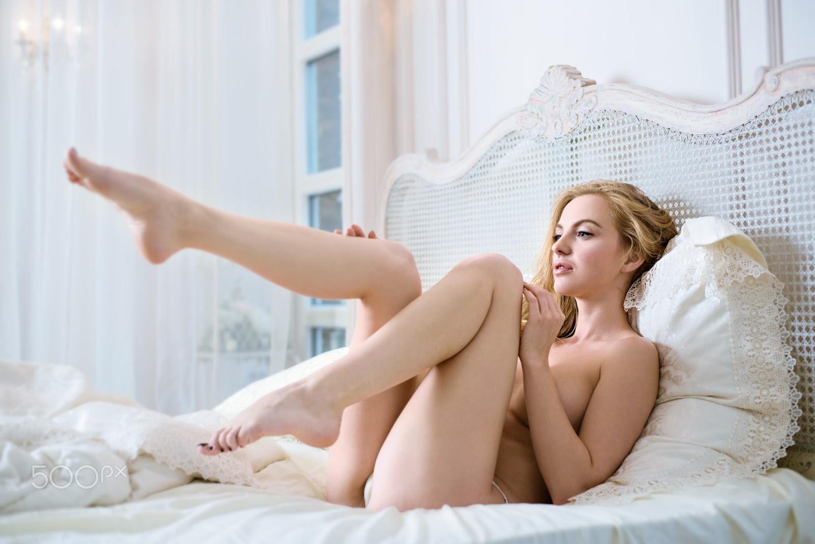 One sexy butt nude beautiful!!