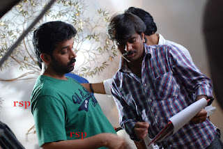 Iruvar Oppandham Working Stills (10).jpg