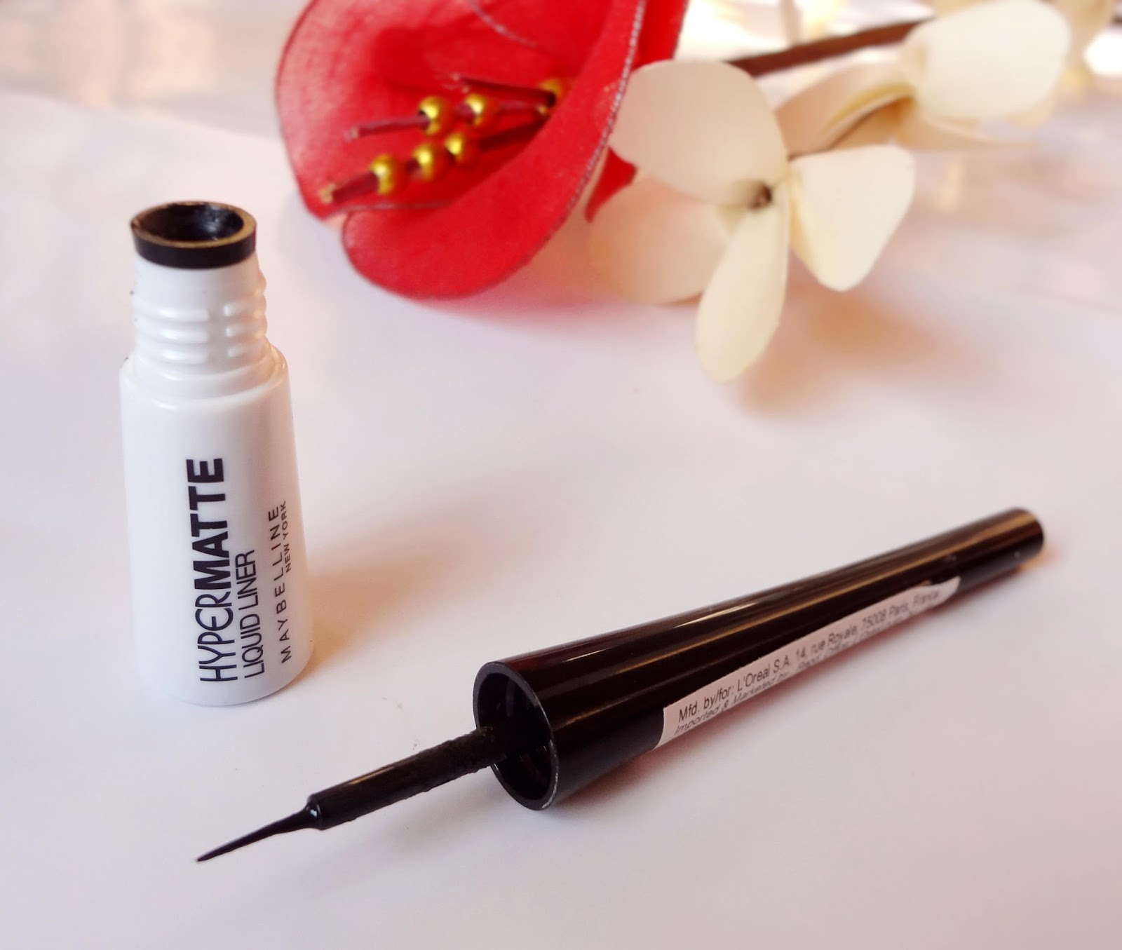 Maybelline New York Hyper Matte Liquid Liner Review And Swatch Ink Packaging Comes In A Long Sleek Tube Which Has White Color Bottom With Thin Black Screw Cap Precise
