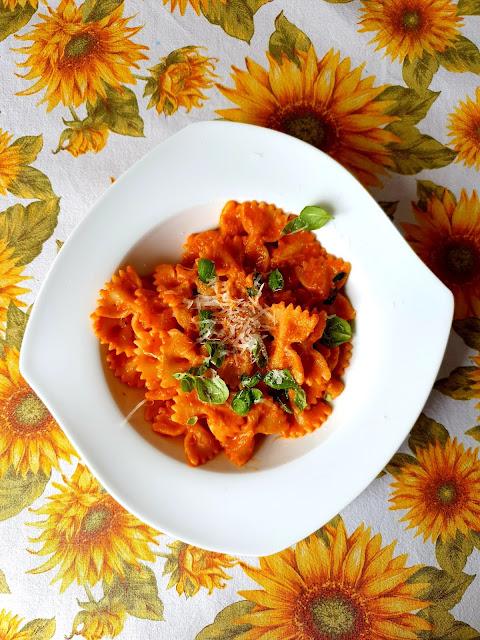 sos warzywny do makaronu,makaron,pasta,kuchnia włoska,botwina,wegetarianski makaron,vege,z kuchni do kuchni zdrowa kuchnia najlepszy blog kulianarny,
