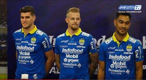 Persib Bandung Resmi Perkenalkan Tiga Pemain Asing Baru: Nick, Kevin, Omid