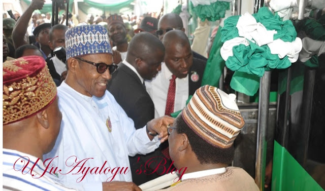 Happening Now: President Buhari Commissions New Locomotives And Coaches For The Abuja-Kaduna Rail Service (Photos)