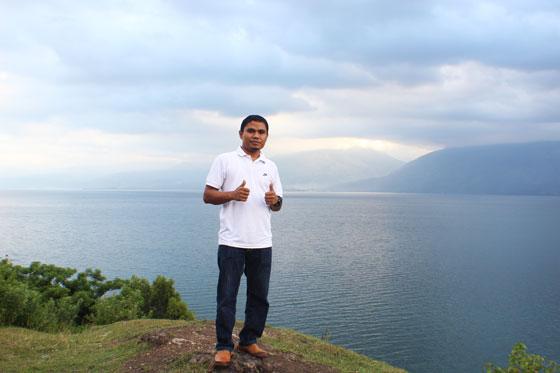 Pemandangan Danau Singkarak dari Puncak Thailand