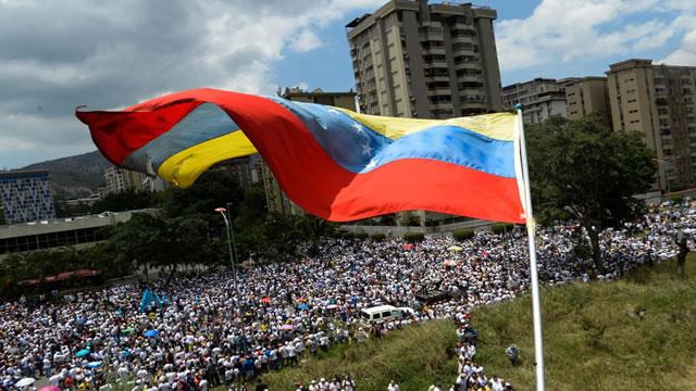 Unidad llama a los venezolanos a participar este #24A en el plantón nacional