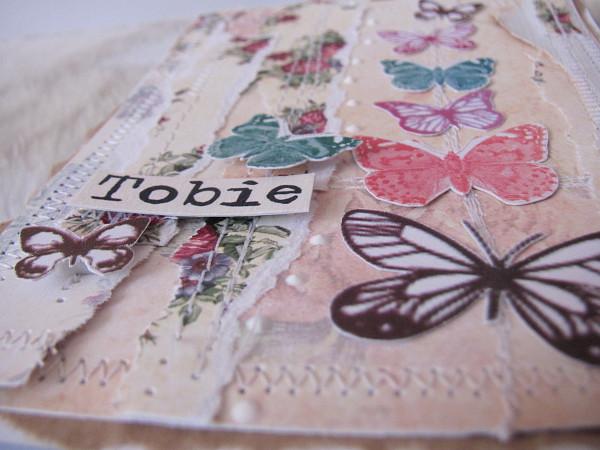 lekka koronkowa kartka kwiecista z motylami
