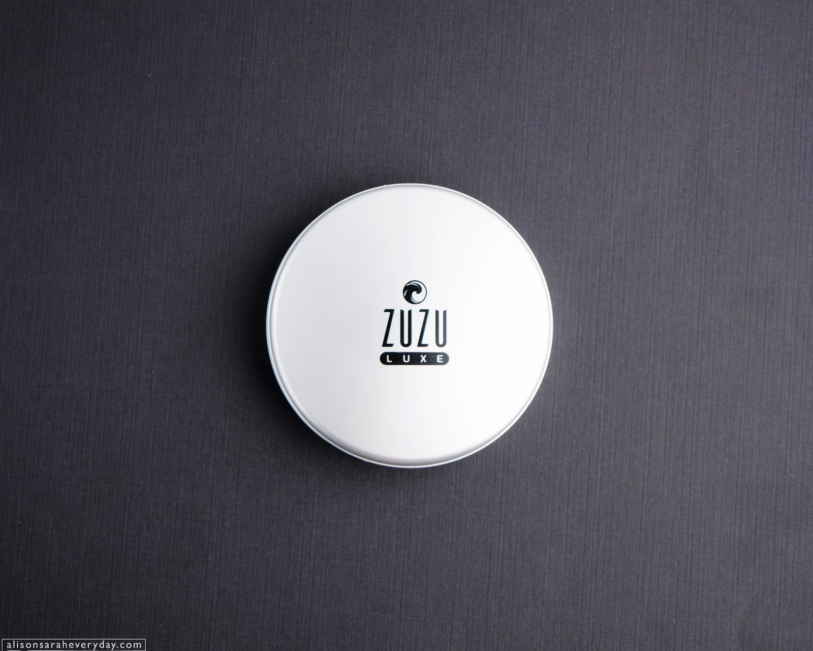 Zuzu Luxe Powder Foundation