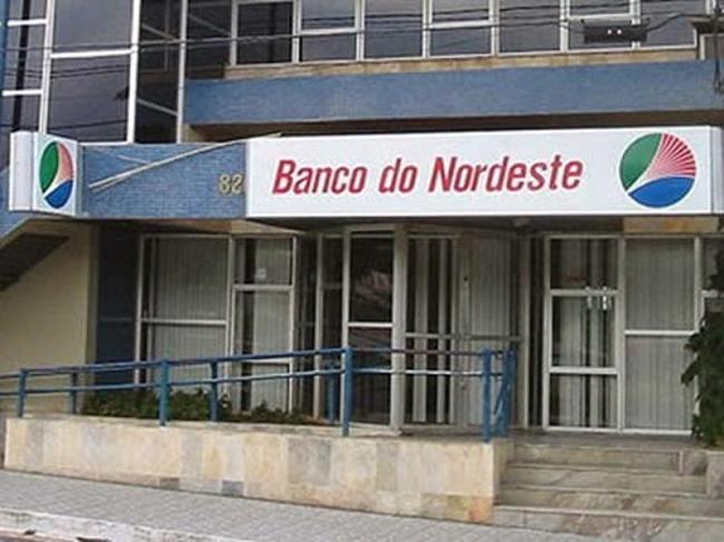 Agência bancária é arrombada em Lavras da Mangabeira durante a madrugada de domingo