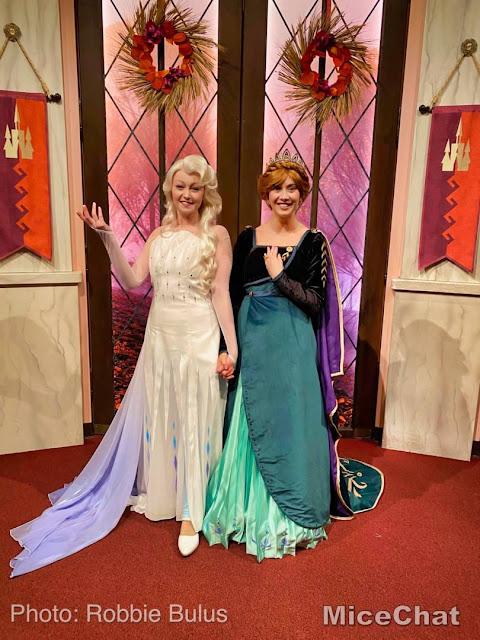Célébration de la Reine des Neiges (du 11 janvier au 13 mars 2020) - Page 10 Disneyland-News-New-Anna-Elsa