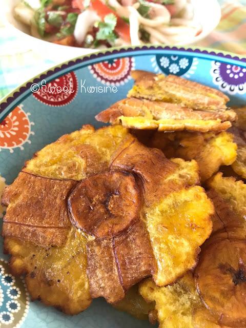 sweet kwisine, bananes pesées, bananes jaunes, bananes plantain, tostones, cuisine antillaise, cuisine haïtienne, pikliz