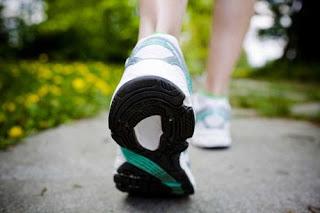 OLEO DE COCO Aumenta o gasto energético, ajudando a queimar gordura