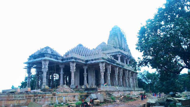 sarvoday jain mandir amarkantak ,manrkantak temple , amarkantak ke mandir