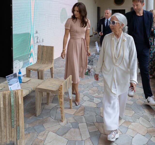 Crown Princess Mary wore a mimi old rose belted silk crepe dress by Marc Jacobs. Milan Design Week