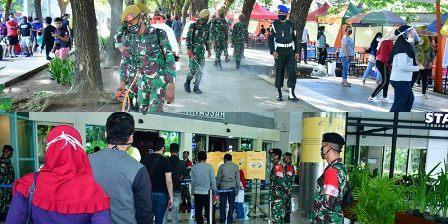 Inilah Aksi Pengetatan Disiplin Protokol Kesehatan, Prajurit Hasanuddin Sasar Sarana Umum, Pusat Perbelanjaan dan Pasar