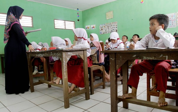 Mulai Oktober, Gaji Guru Tidak Tetap (GTT) dan (PTT) Naik