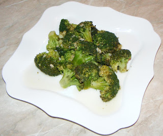 broccoli, broccoli reteta, broccoli cu usturoi ghimbir si ardei iute in sos de lamaie la tigaie, broccoli la tigaie, broccoli sote, retete vegetariene, retete, retete culinare, retete dietetice, broccoli gatit, broccoli de post, retete de post, garnituri, retete de mancare, retete sanatoase, preparate culinare, retete cu broccoli, preparate din broccoli,