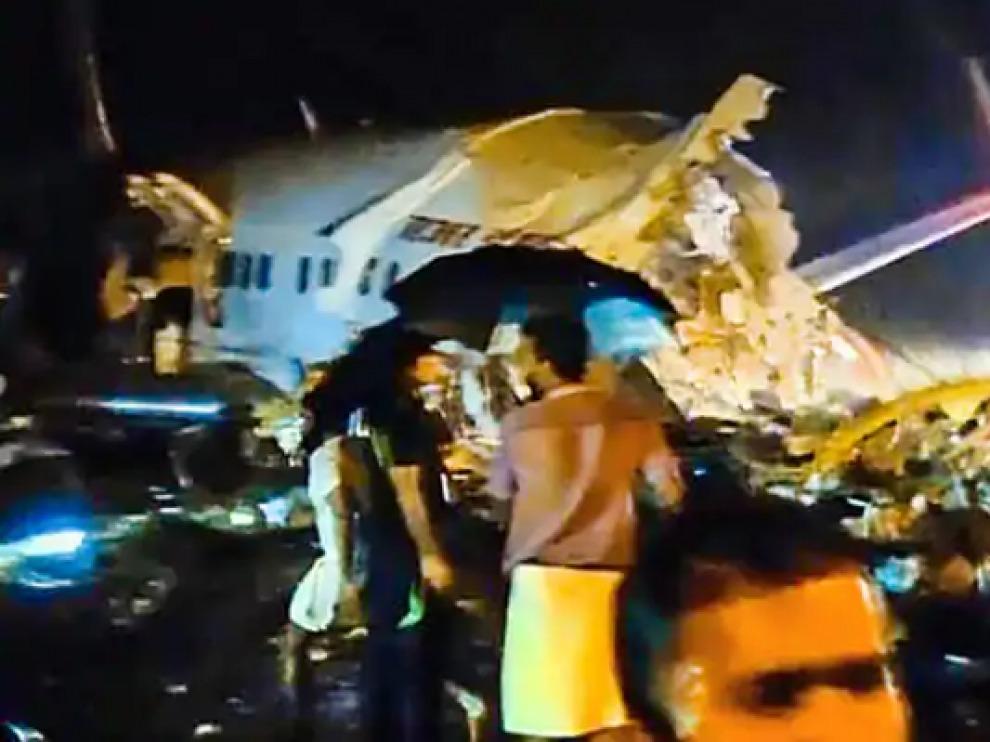 Varios muertos en accidente aéreo en el sur de India 2