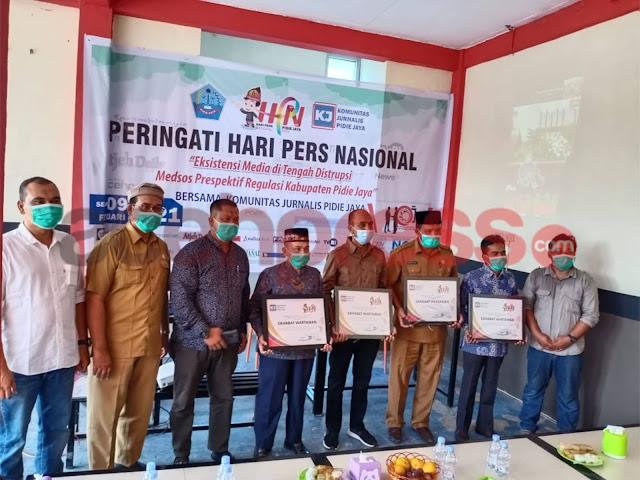 Memperingati Puncak HPN, Komunitas Jurnalis Pidie Jaya Berikan  Penghargaan Kepada Sahabat Wartawan