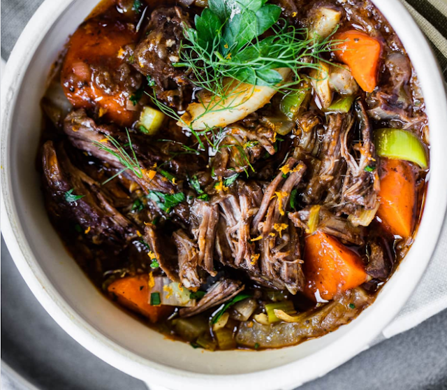 Slow-Cooked French Beef Stew with Red Wine #weeknight #dinner