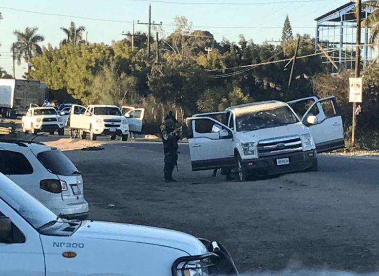 Convoy de Los Chapitos se enfrentan a Policías en Navolato; Sinaloa, hay 4 Sicarios detenidos