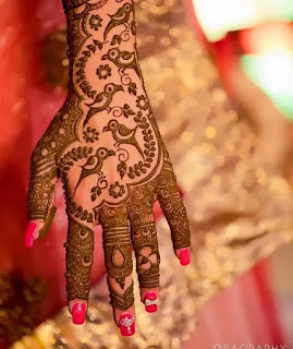 Cute_brides_with_leaves_henna_design