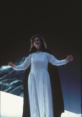 Anne Evans as Isolde in Tristan und Isolde at WNO in 1993
