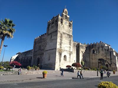 laguna de yuriria lake guanajuato mexico iglesia church