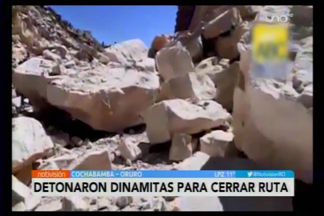[Video] Atentado criminal contra la vida de los bolivianos: Detonan dinamita para cerrar ruta