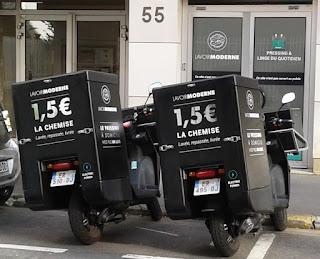 Marquage adhésif sur scooter