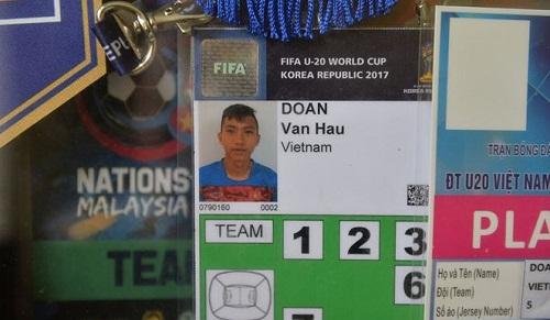 Thẻ thi đấu của Đoàn Văn Hậu vẫn được giữ lại.