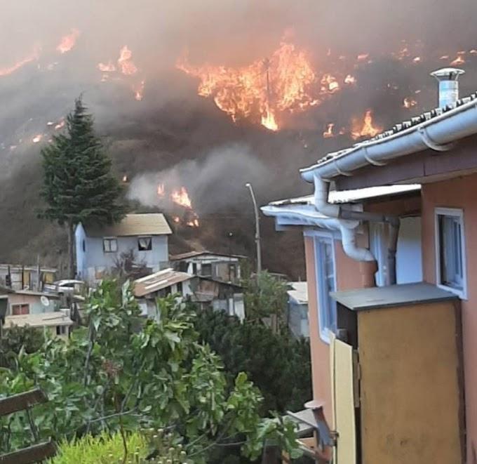 Incêndio de grandes proporções em Valparaiso (Chile), está queimando mais de 120 casas