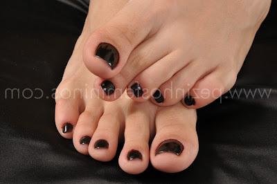 Pezinhos de peep toe nude alto de plataforma e meia calca - 3 3