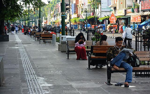 Pedestrian Malioboro dan Sudut Jalan Kampung Ketandan